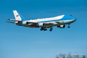G7 : Arrivée de Air Force One